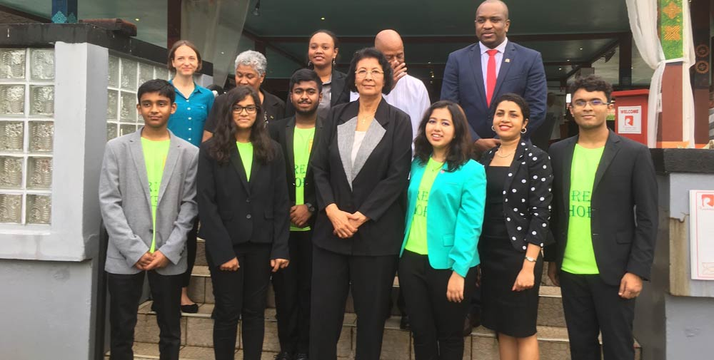The Suriname cabinet ministers with Green Hope