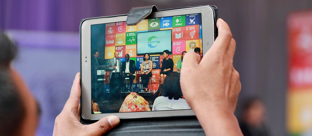 iPad, Sustainable Development Goals. Photo Credit: Kaia Rose / Connect4Climate