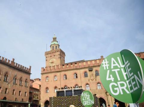 Piazza Maggiore, Bologna, is #All4TheGreen